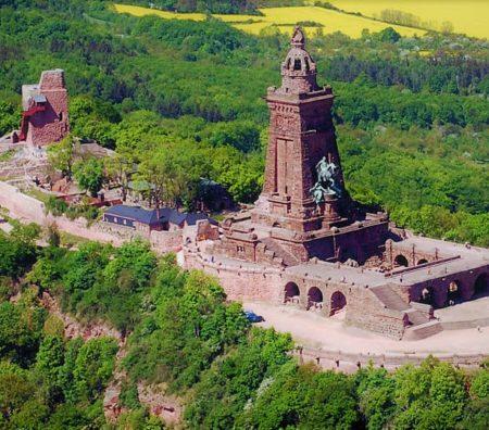 Kaiserdenkmal Luft für TA16 Barbarossa