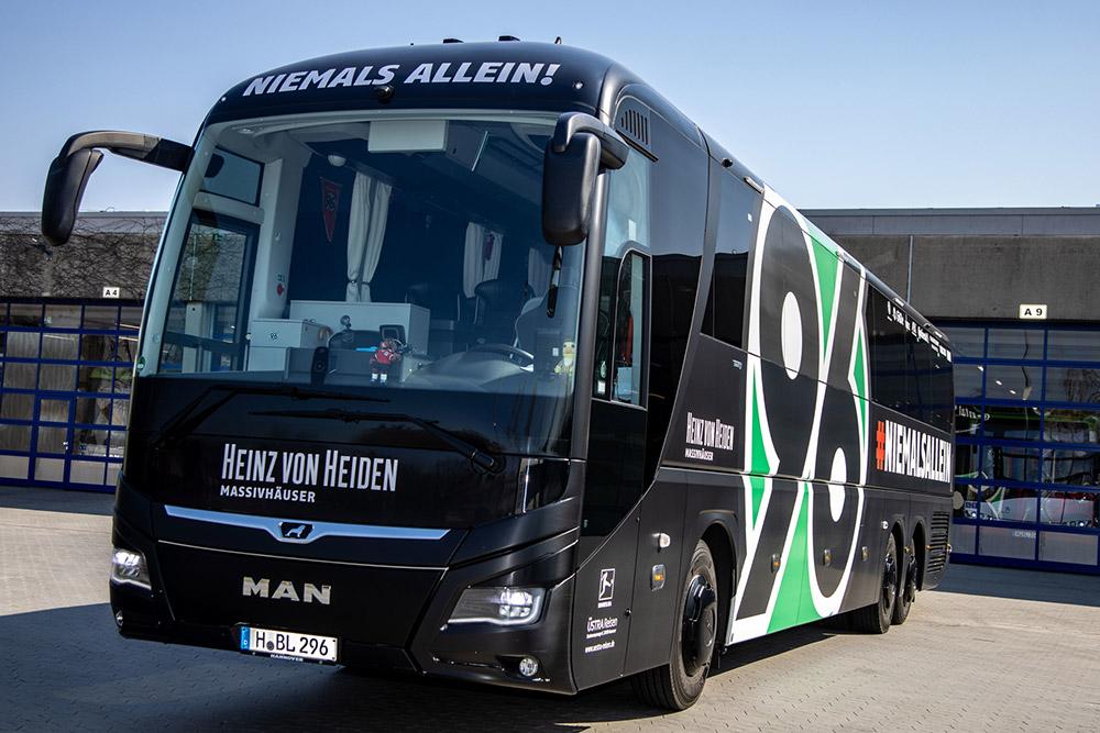 1. Mannschaftsbus Hannover 96